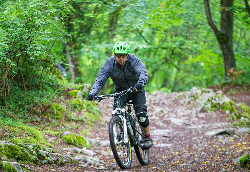 braukšana_ar_velosipēdu